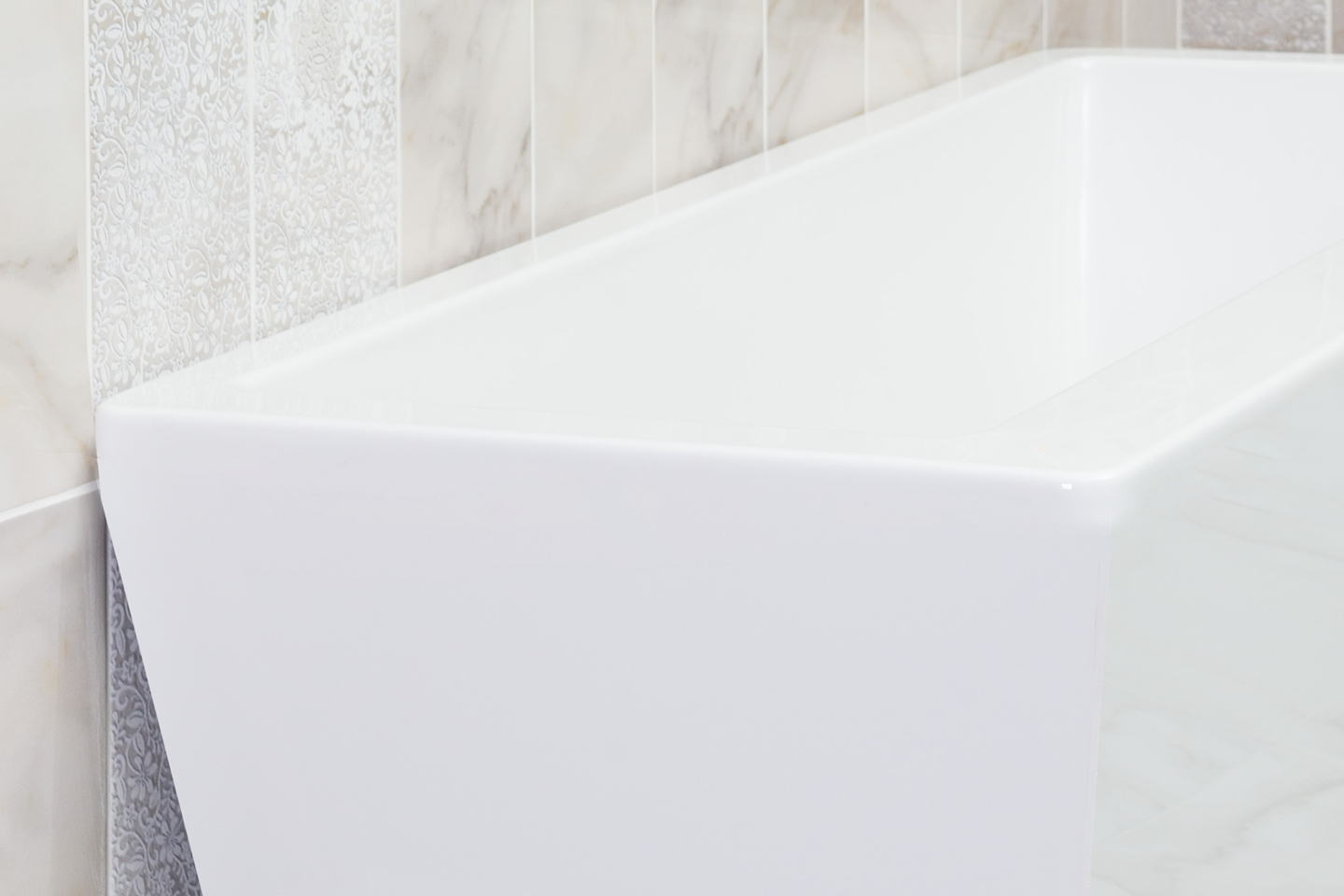 Kira - square bathtub / Favorit Bathtubs